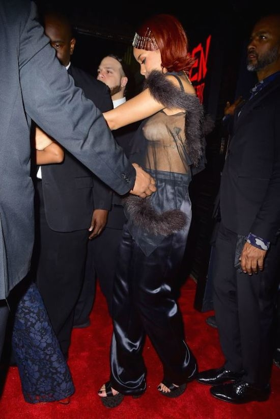 Rihanna-16