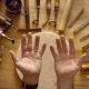Hüpnotiseeriv käsitöö – vaata kuidas meister valmistab 600 taalase nahast rahakoti