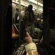 """Kes on tõeline gängster? Metroos sõitev mees ei lase ennast purjus """"gängsteril"""" tülitada"""