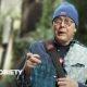 73-aastane Charles teeb tänavamoega noortele silmad ette