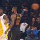 Vaata kuidas LeBron James petab ära terve Lakersi tiimi