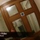 UK politsei avaldas hirmuäratava kehakaamera video, kus mees üritas politseid pussitada