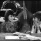 1965 a. varjatud kaameras tutvustati õpilastele seksikat õpetajat ja filmiti nende reaktsioone