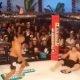 Debiilikust MMA võitleja peksab teadvuseta vastast edasi nagu poksikotti