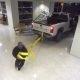 Kaks varast üritavad meeleheitlikult kohtumajast pangaautomaati varastada