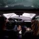 Jumal õnnistagu insenere: Audi A4 Quattro kaotab kiirusel 140 km/h vesiliu tõttu juhitavuse, kuid juht päästab olukorra ühe käega!
